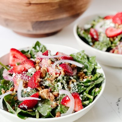 How to make strawberry spinach salad
