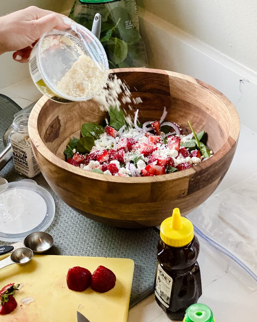 How to make strawberry spinach salad with goat cheese